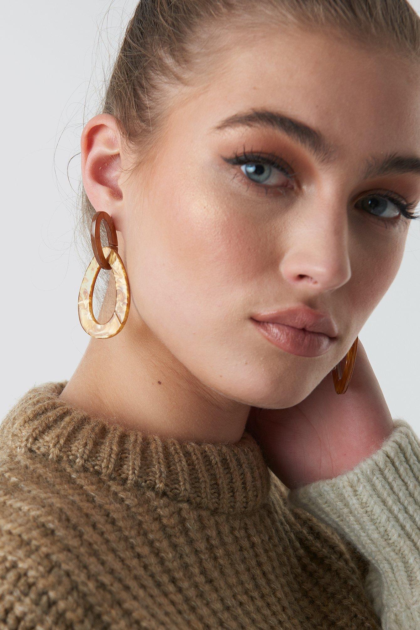 na-kd accessories -  Drop Shaped Resin Earrings - Brown