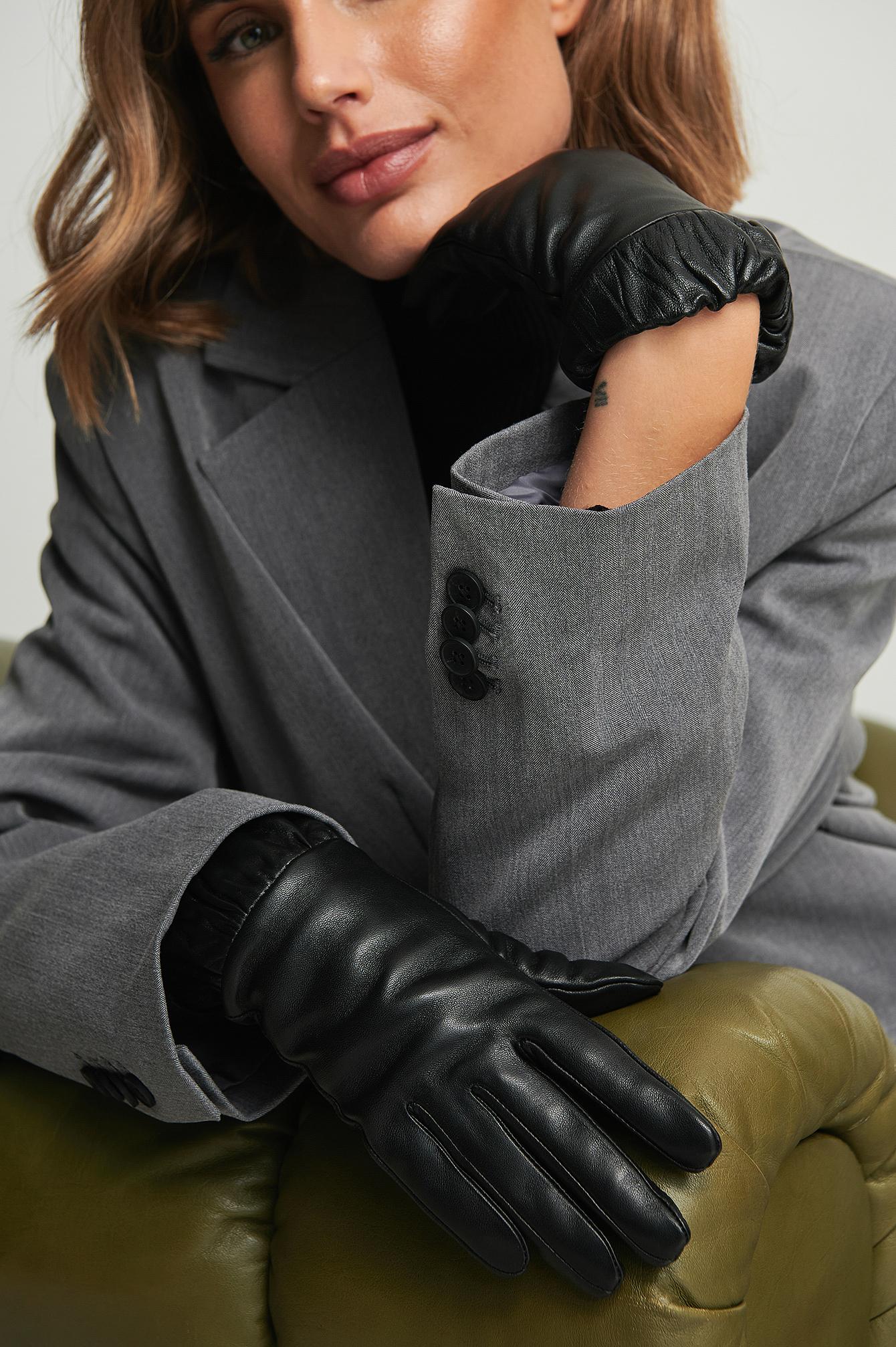 NA-KD Accessories Læderhandsker med elastisk manchet - Black