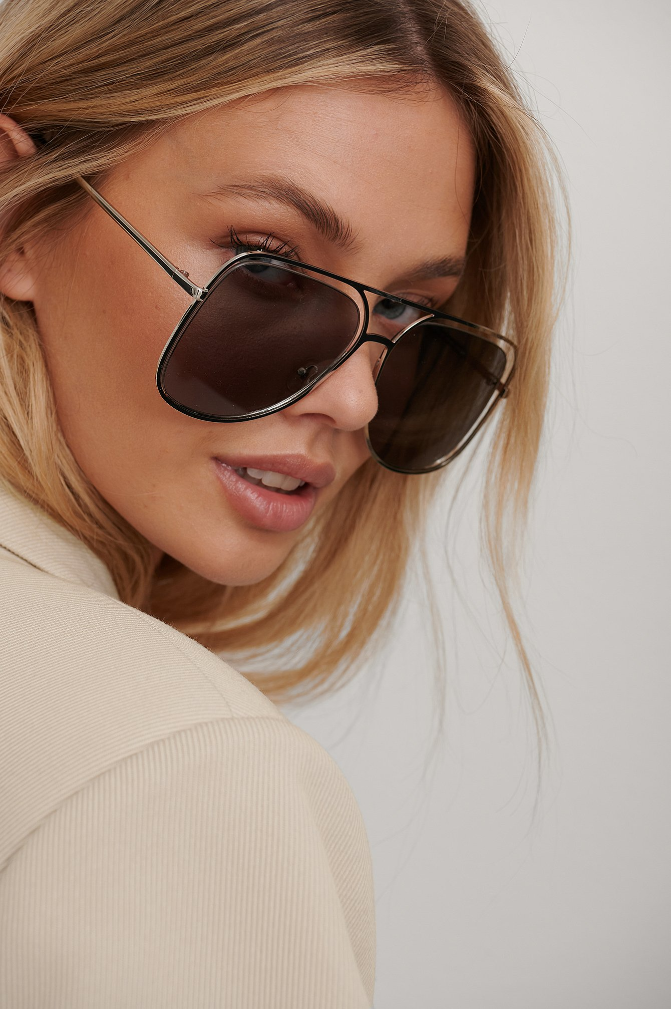na-kd accessories -  Piloten-Stil Sonnenbrille - Silver