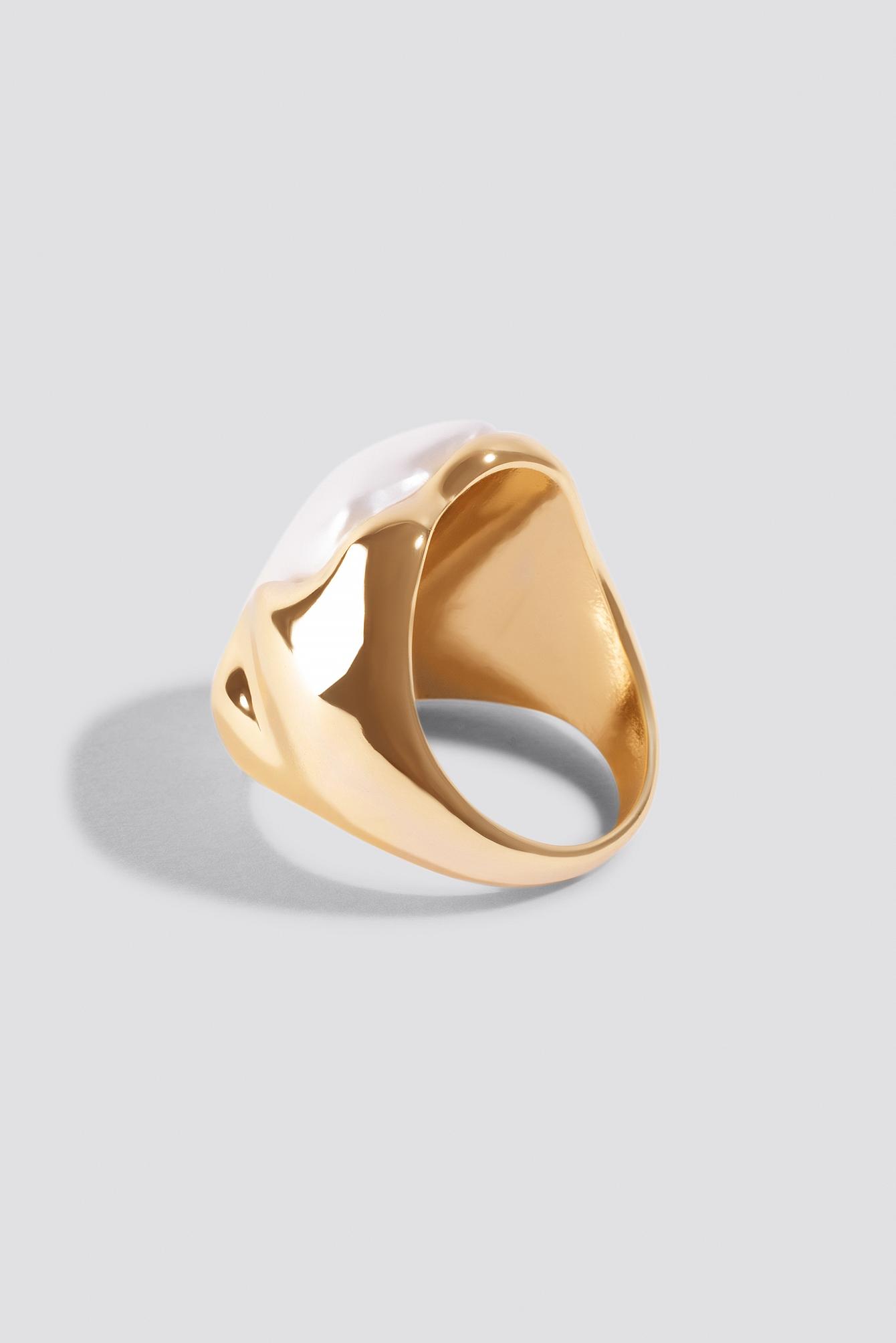 Embedded Pearl Ring NA-KD.COM