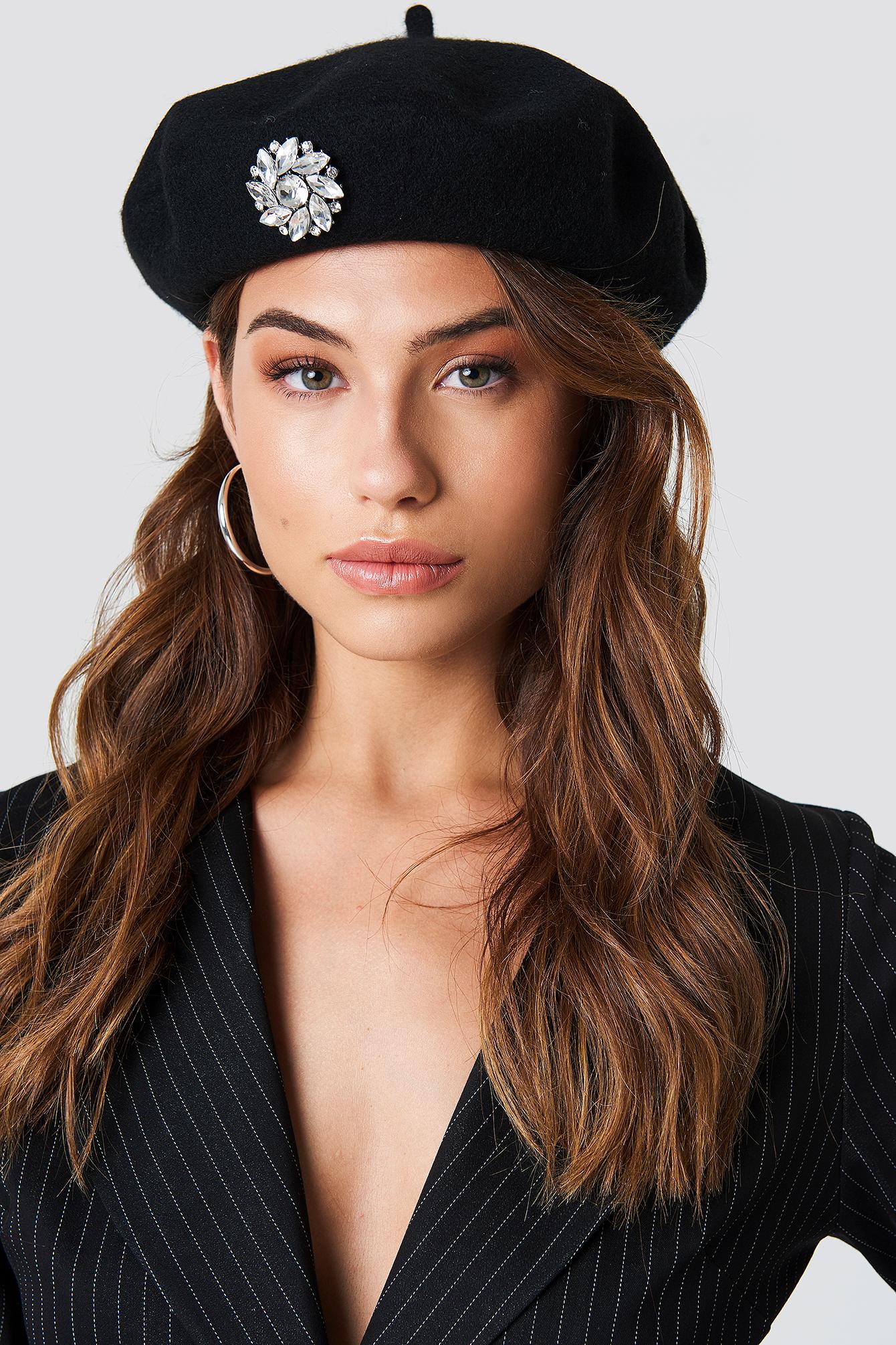 EMBELLISHED BERET HAT - BLACK