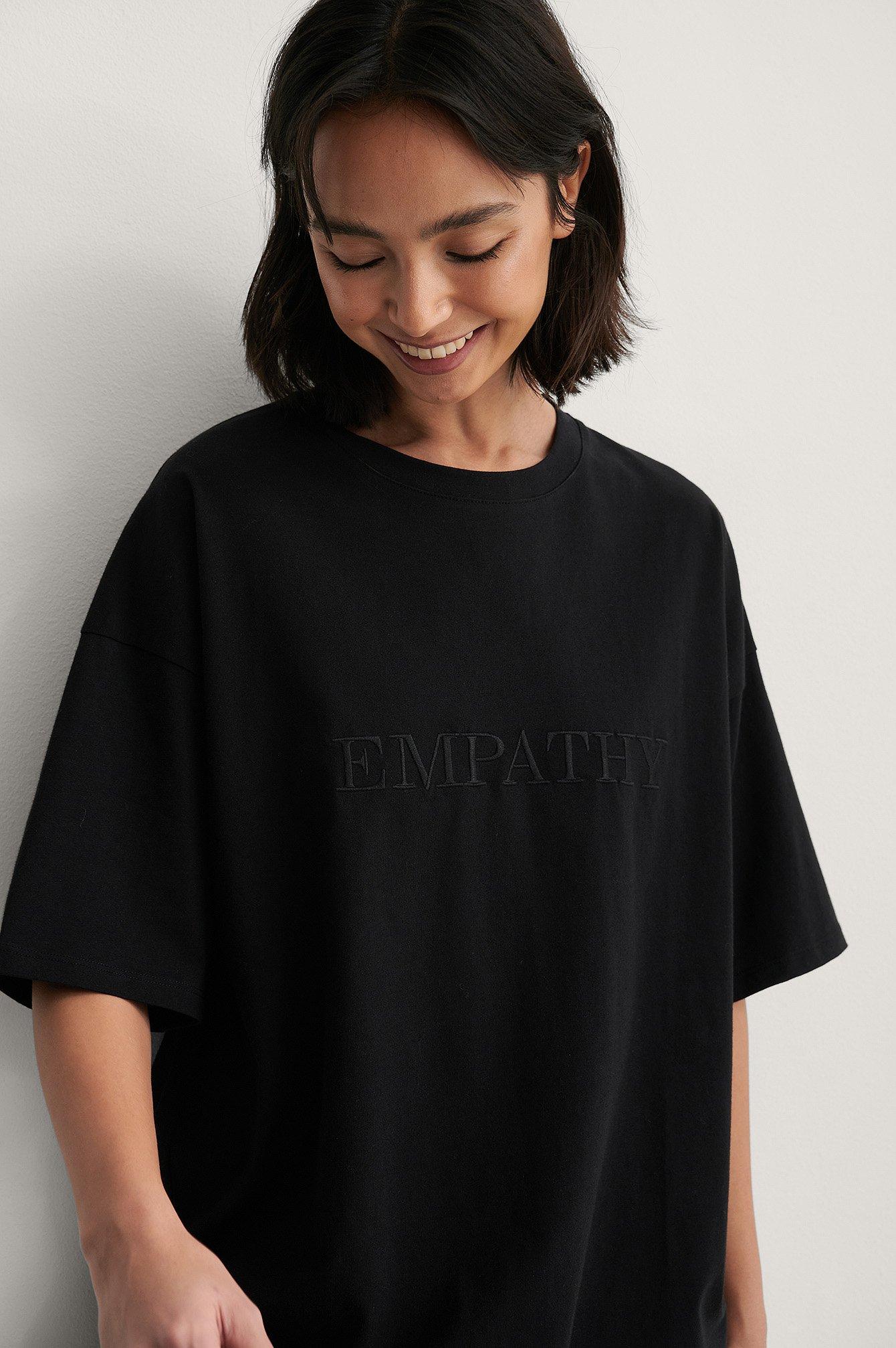 NA-KD Trend Ekologisk Boxig T-shirt Med Vbroderidetalj - Black