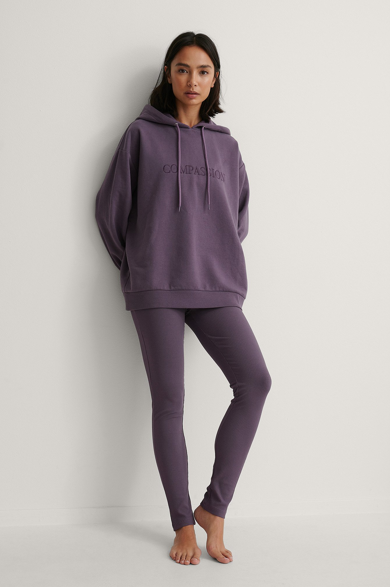 Purple Ribbete Leggings Med Broderte Detaljer