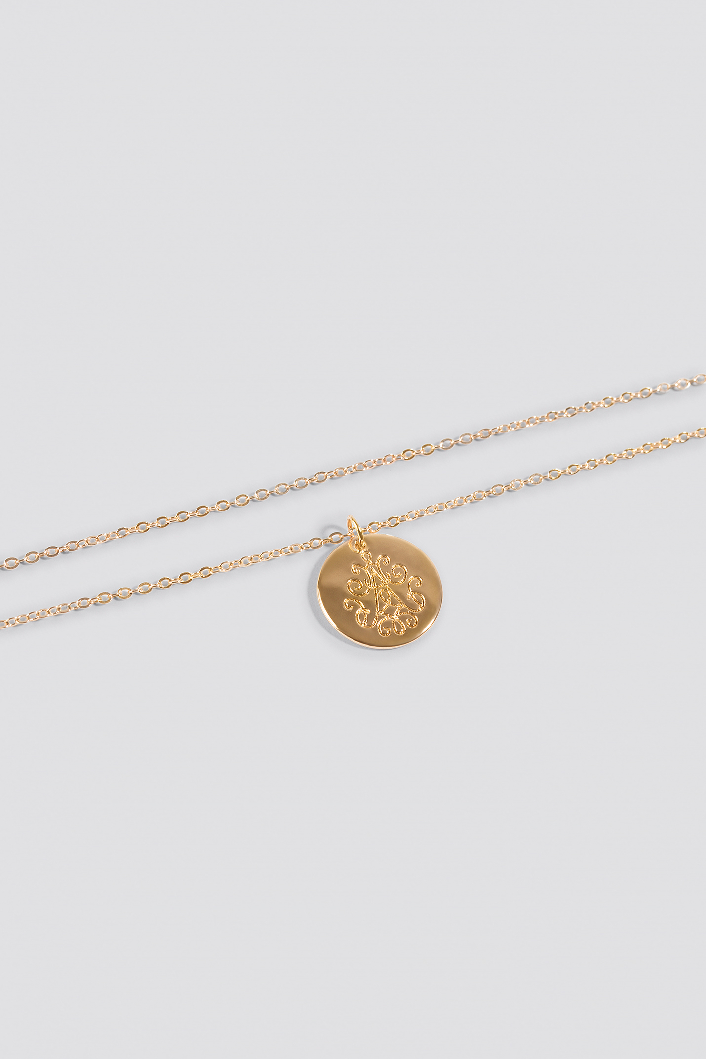 Engraved Round Plate Necklace NA-KD.COM