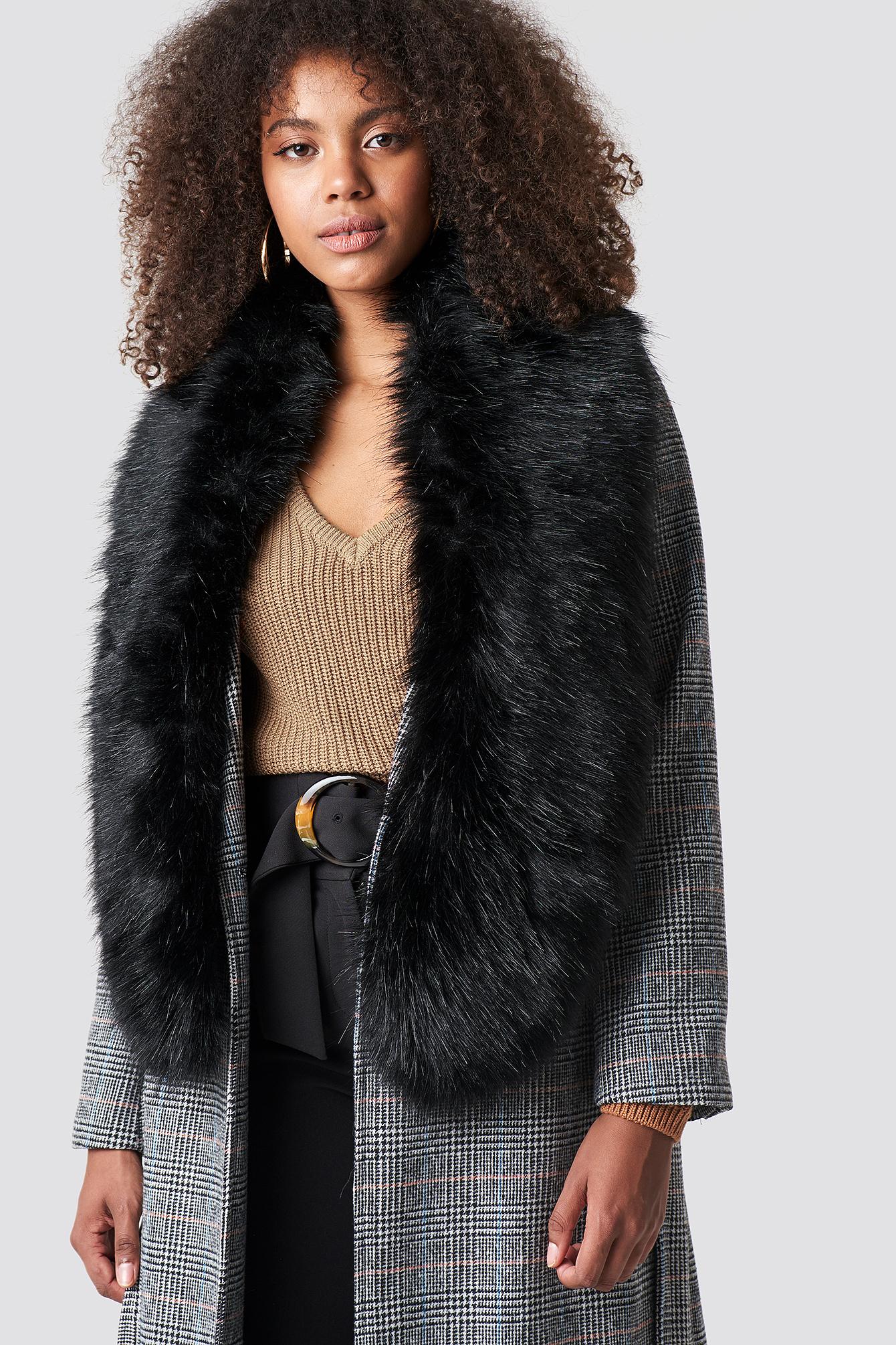 Fake Fur Stola NA-KD.COM