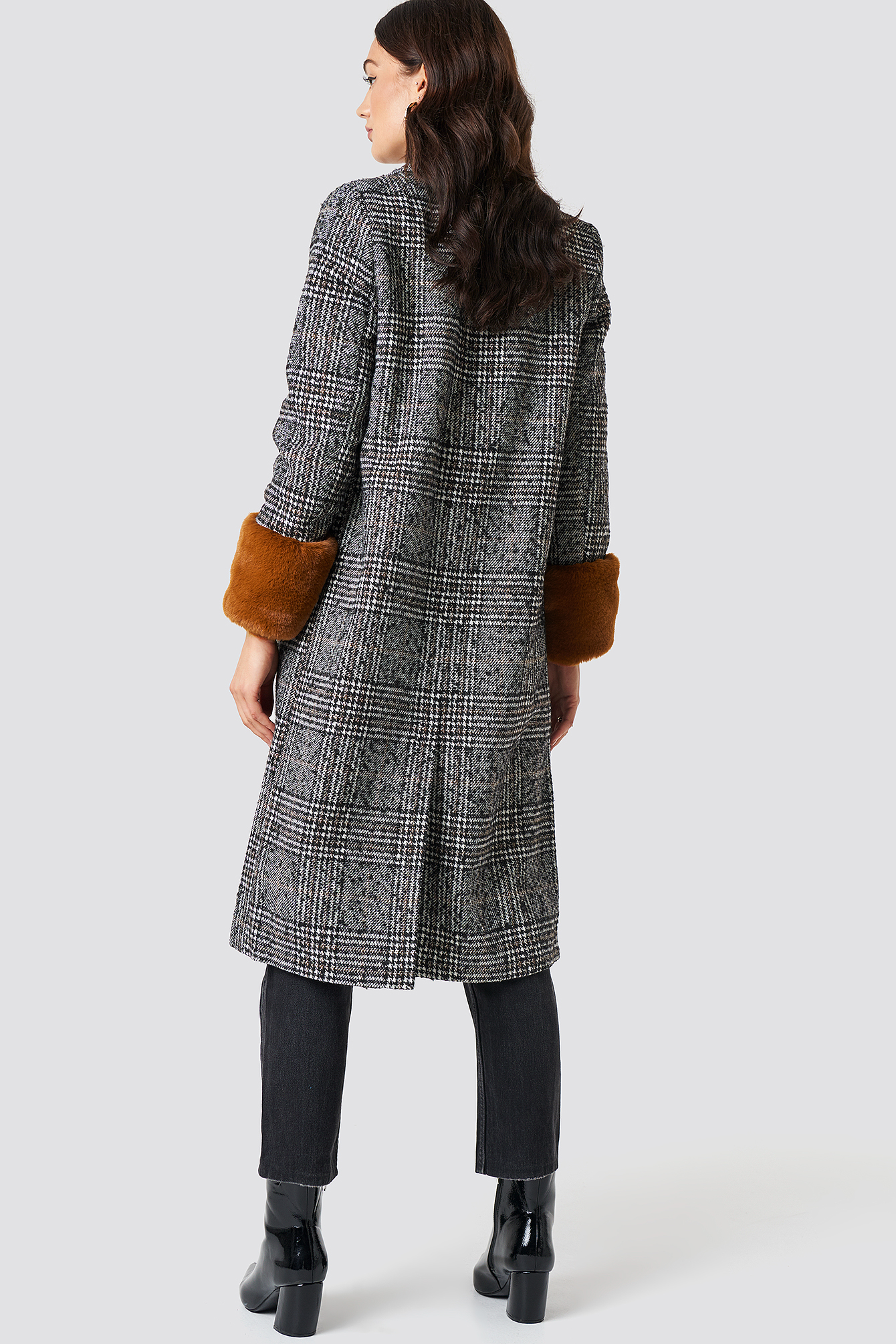 Faux Fur Sleeve Plaid Coat NA-KD.COM