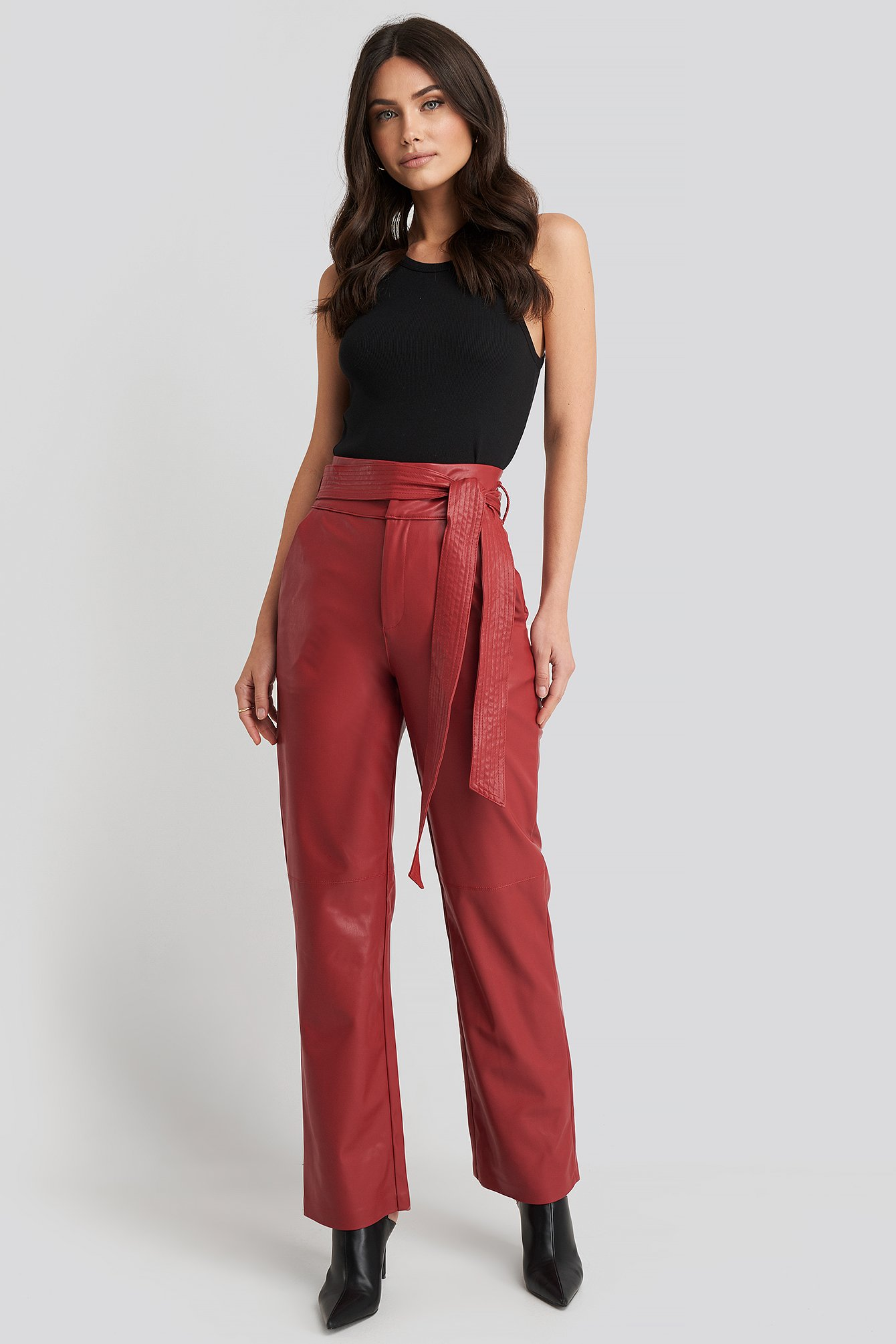 na-kd party -  Faux Leather Belted Straight Leg Pants - Red