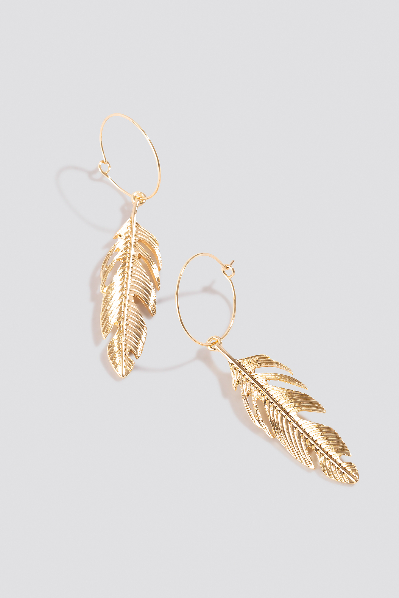 Fine Feather Hoop Earrings NA-KD.COM