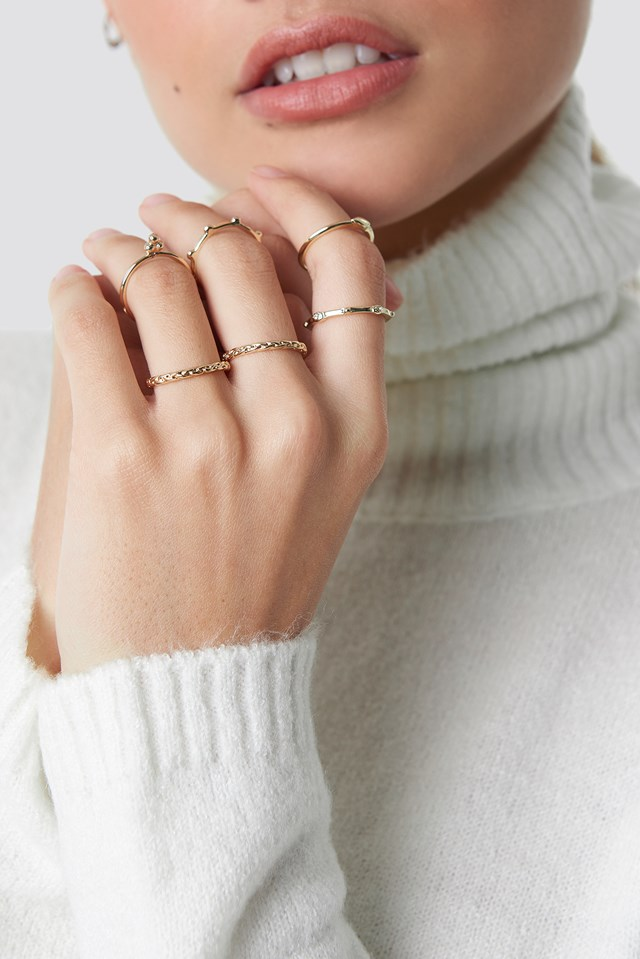 Fine Stacking Rings Gold
