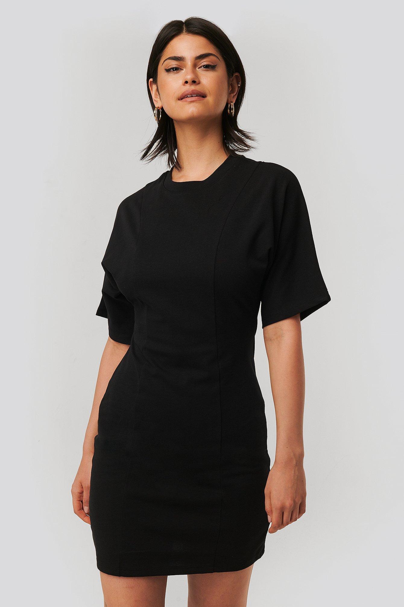 T-Shirt-Kleid Schwarz | na-kd.com