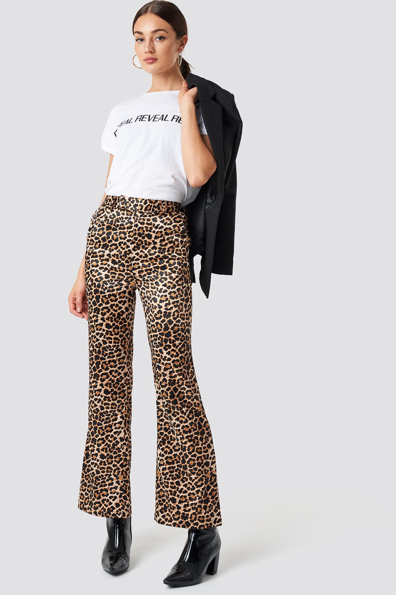 na-kd trend -  Flared Shiny Leo Pants - Multicolor