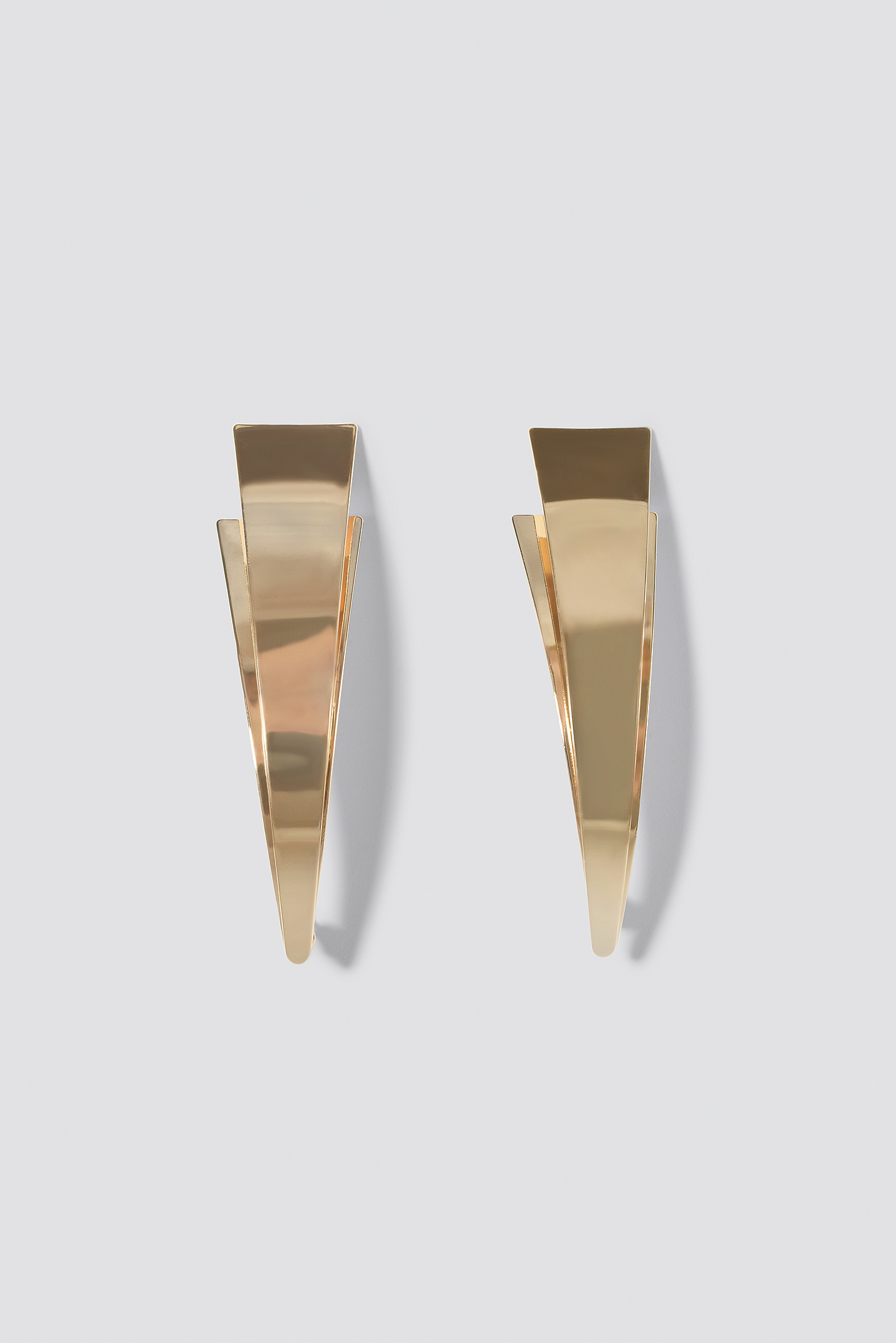 Flat Curved Triangle Earrings NA-KD.COM