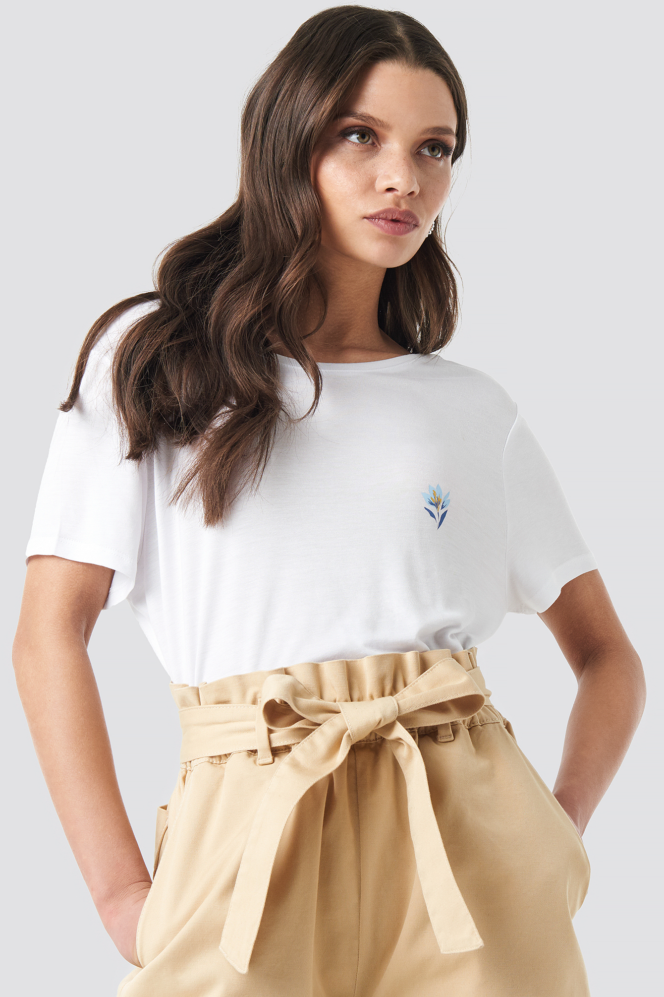 Floral Motif Deep Back T-shirt NA-KD.COM