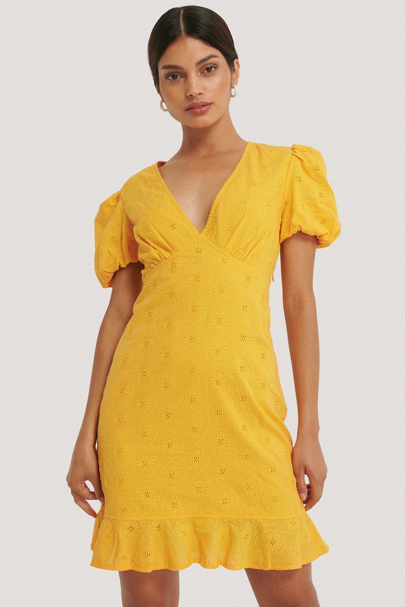 na-kd boho -  Stickerei-Blumenkleid Mit V-Ausschnitt - Yellow