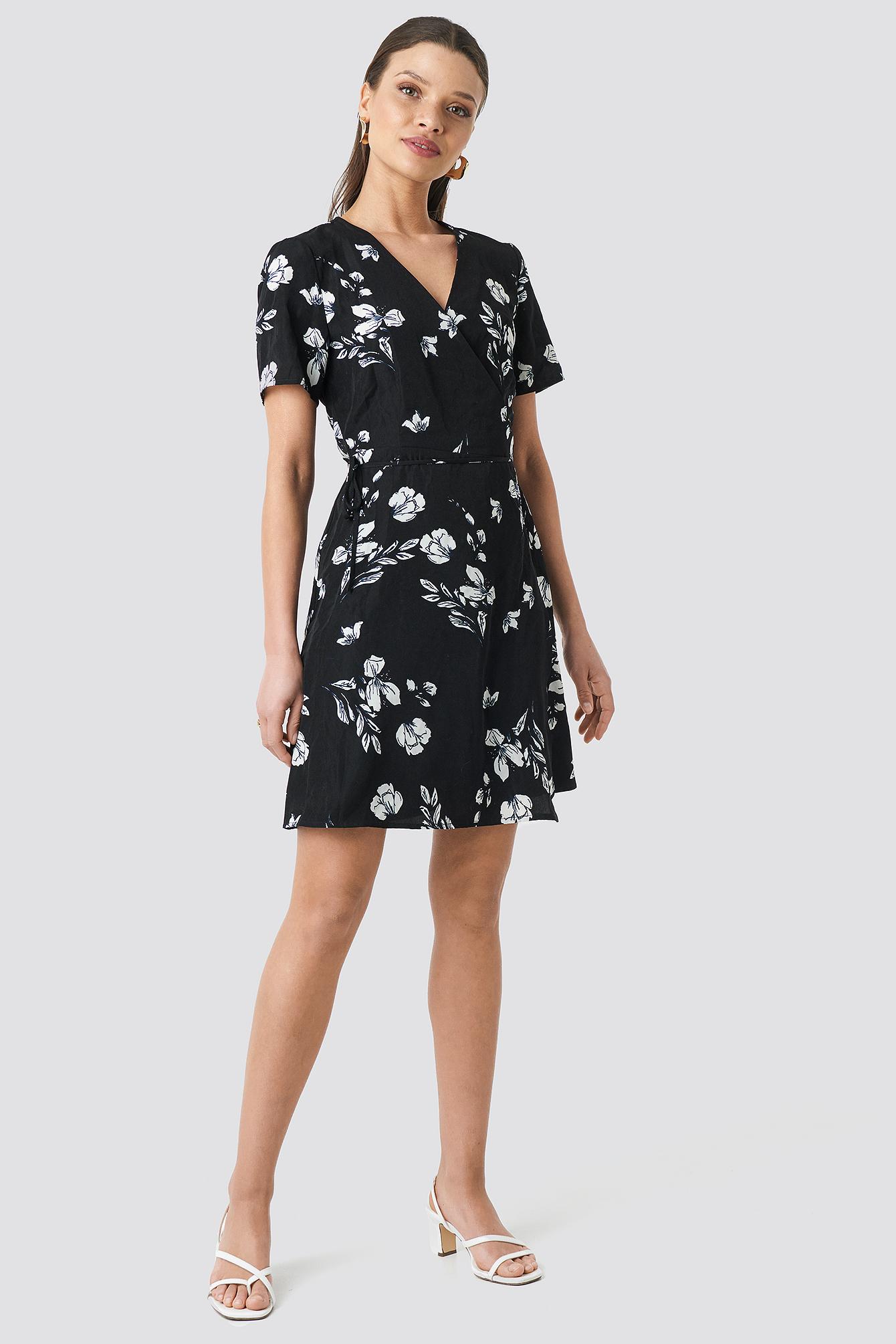 Flower Print Short Sleeve Dress NA-KD.COM