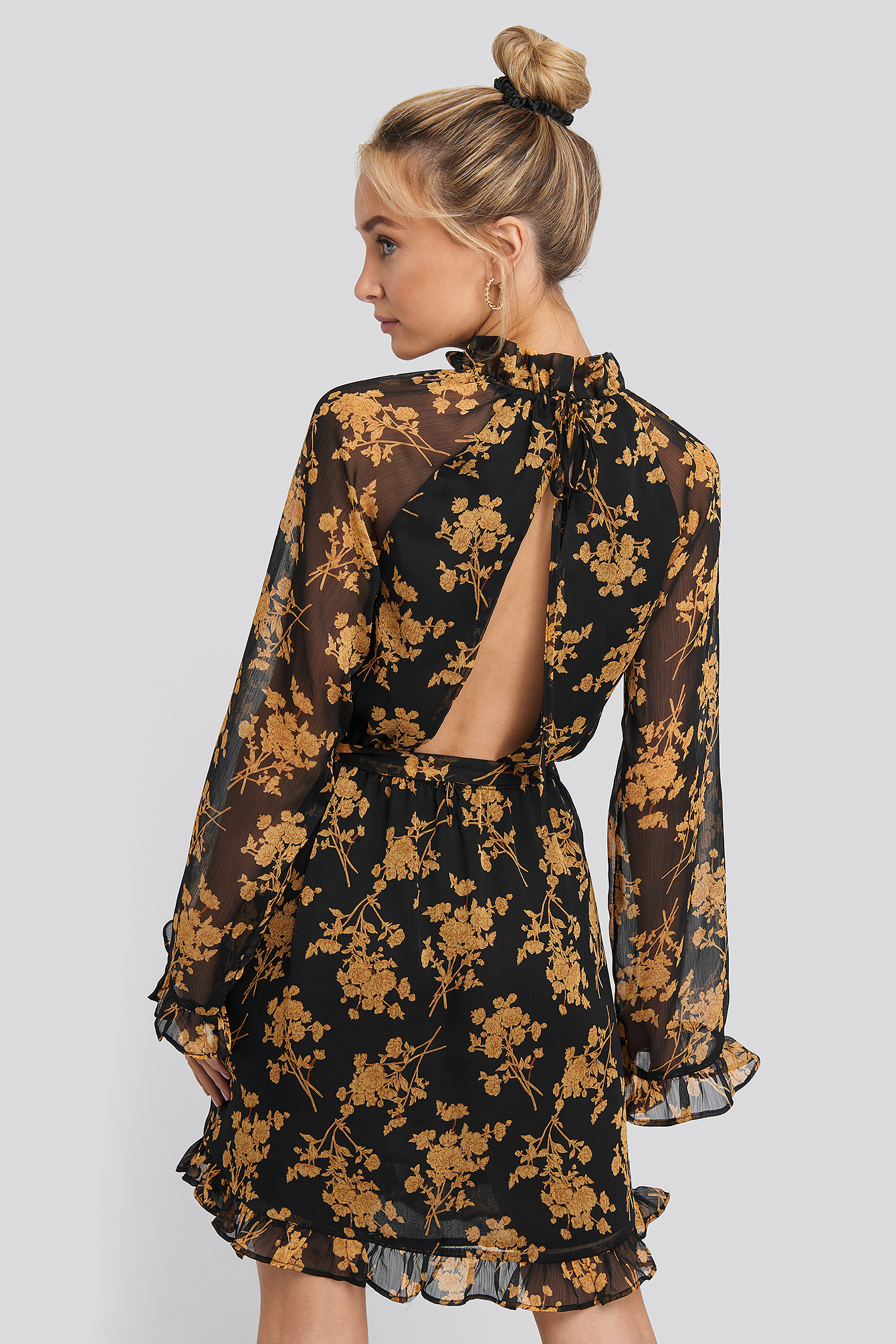 Flower Printed Open Back Mini Dress Mehrfarbig by Na Kd Boho