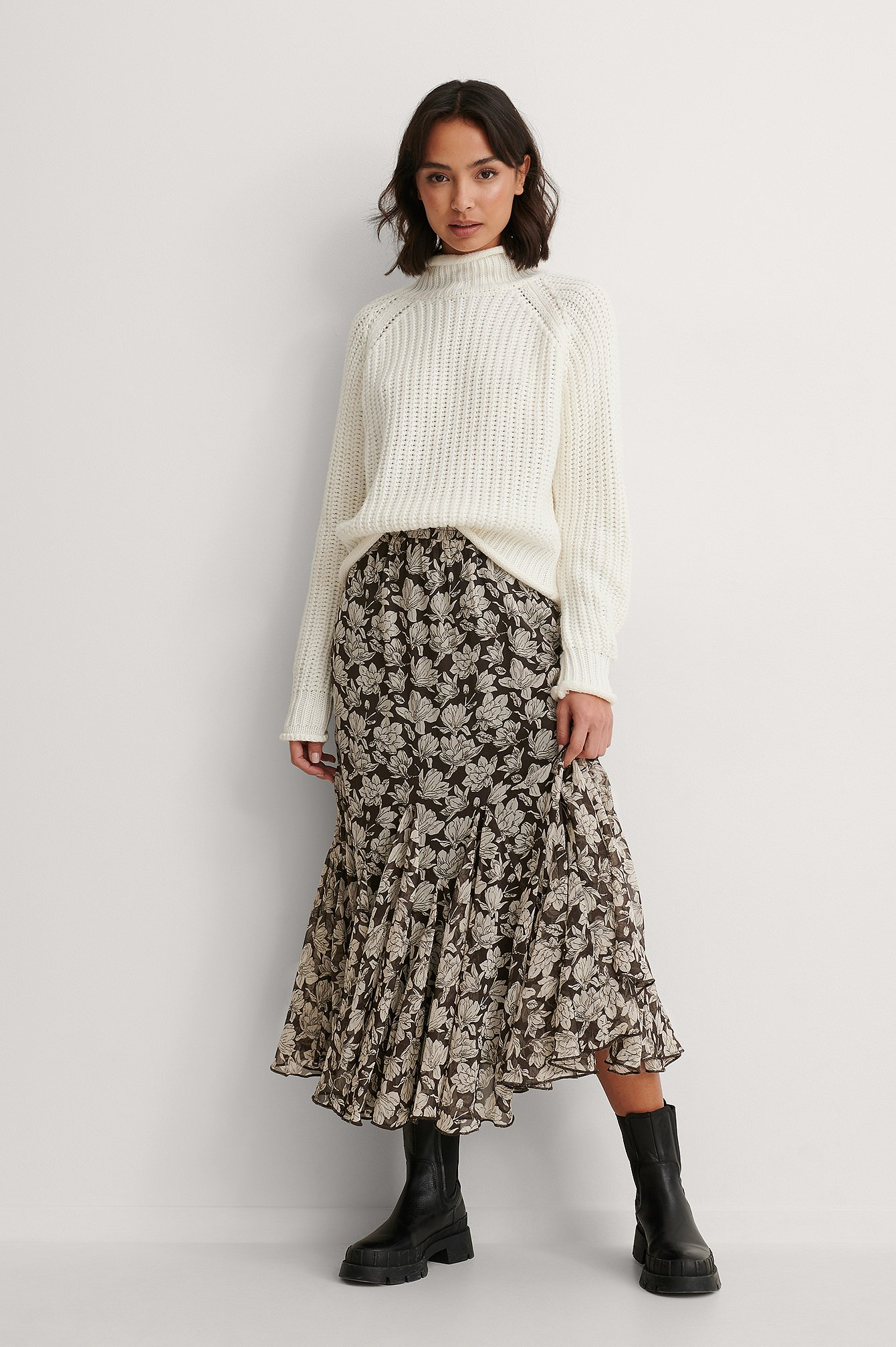 Graphic Magnolia Flowy Midi Skirt