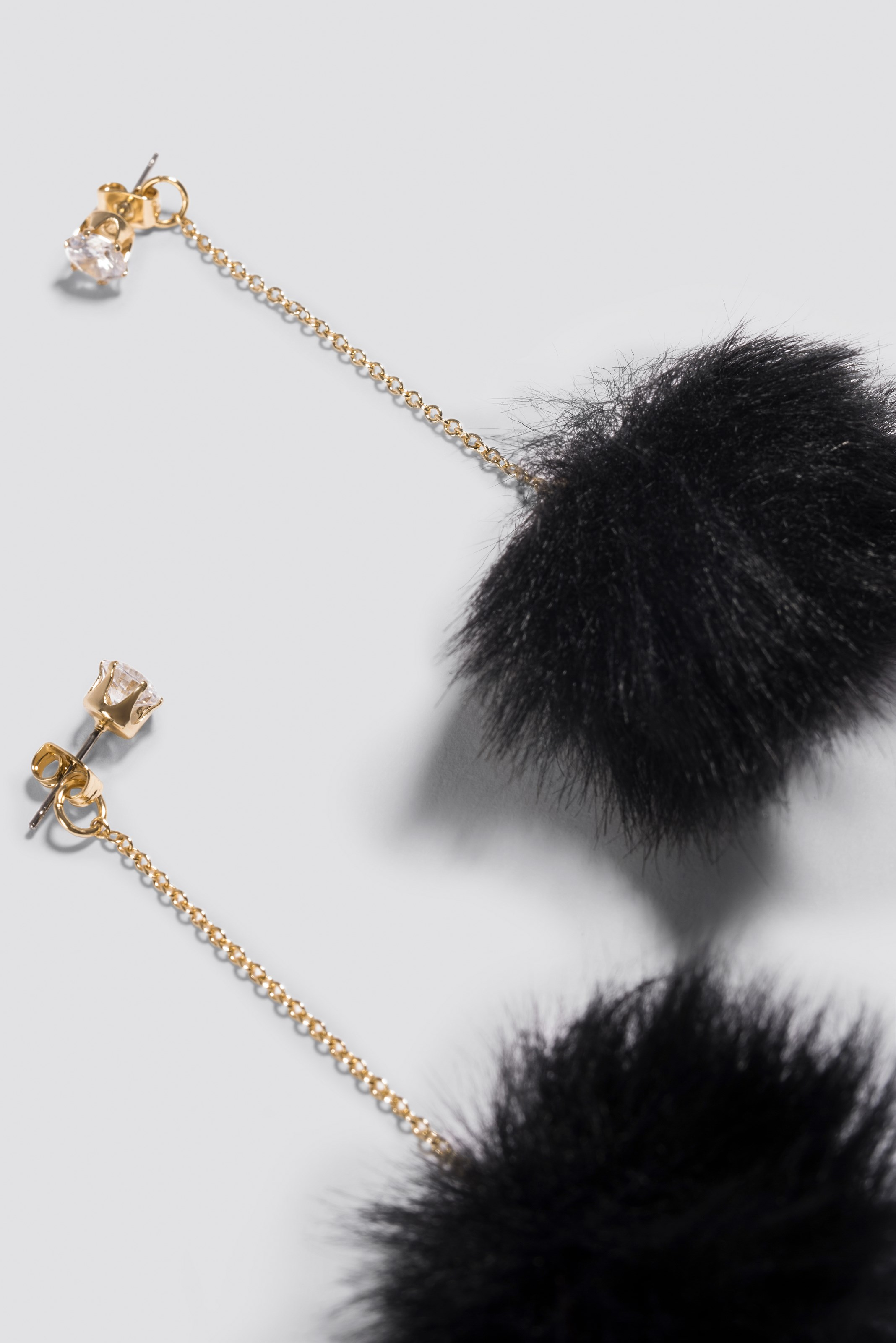 Fluffy Drop Earrings NA-KD.COM