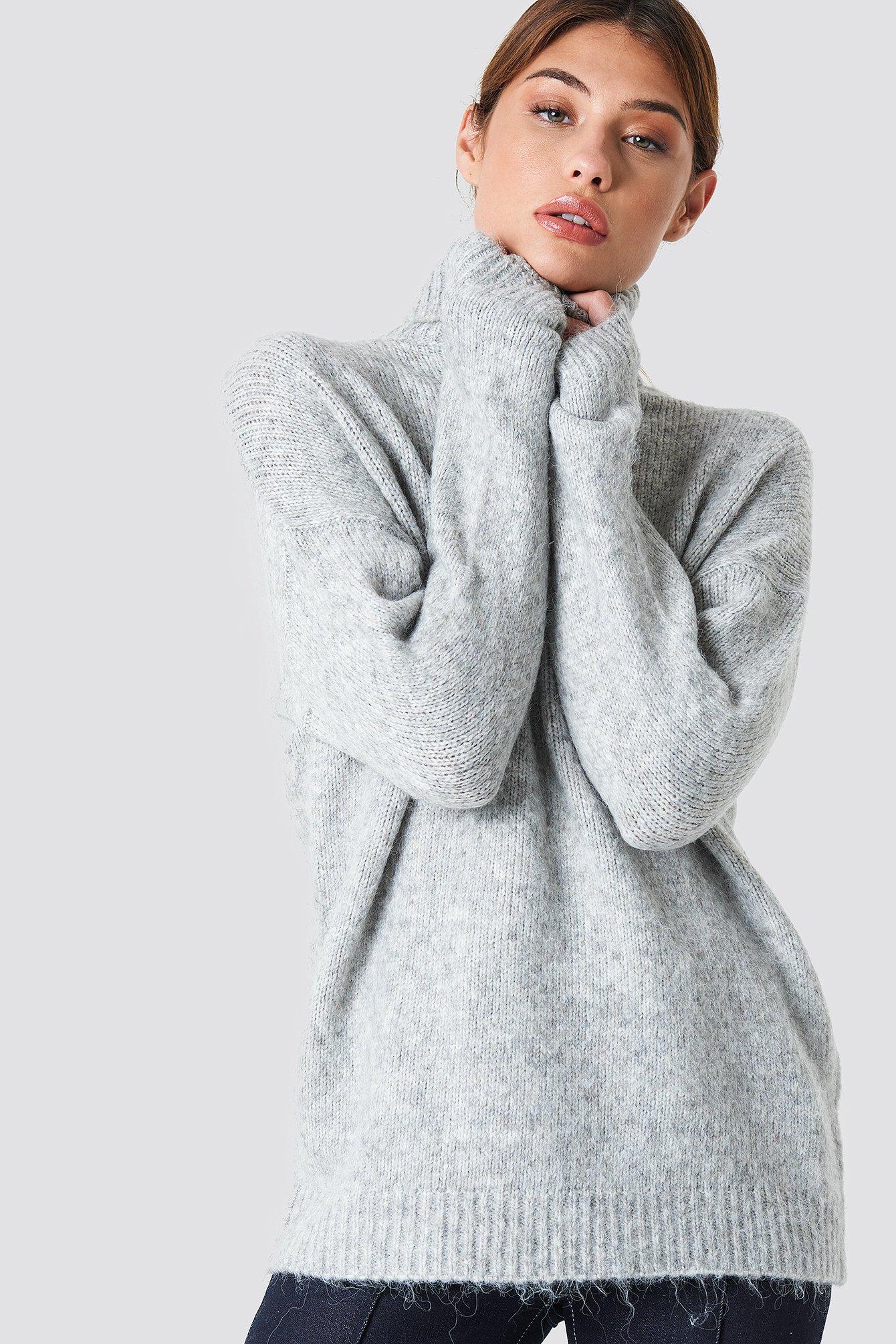 Se NA-KD Folded Oversized Knitted Sweater - Grey ved NA-KD