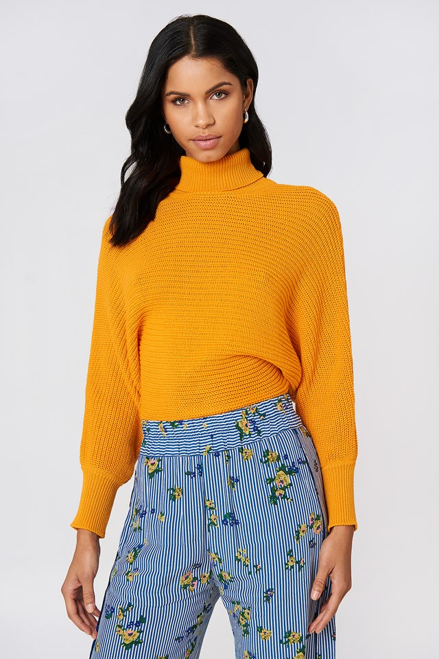 Folded Knitted Sweater Orange