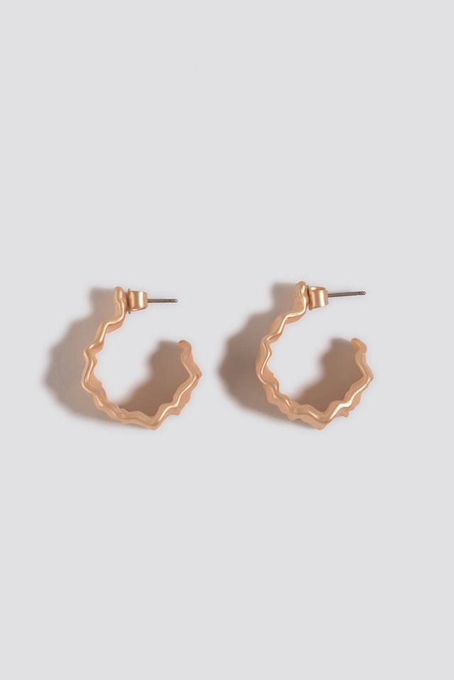 Folding Detail Oval Hoops Gold