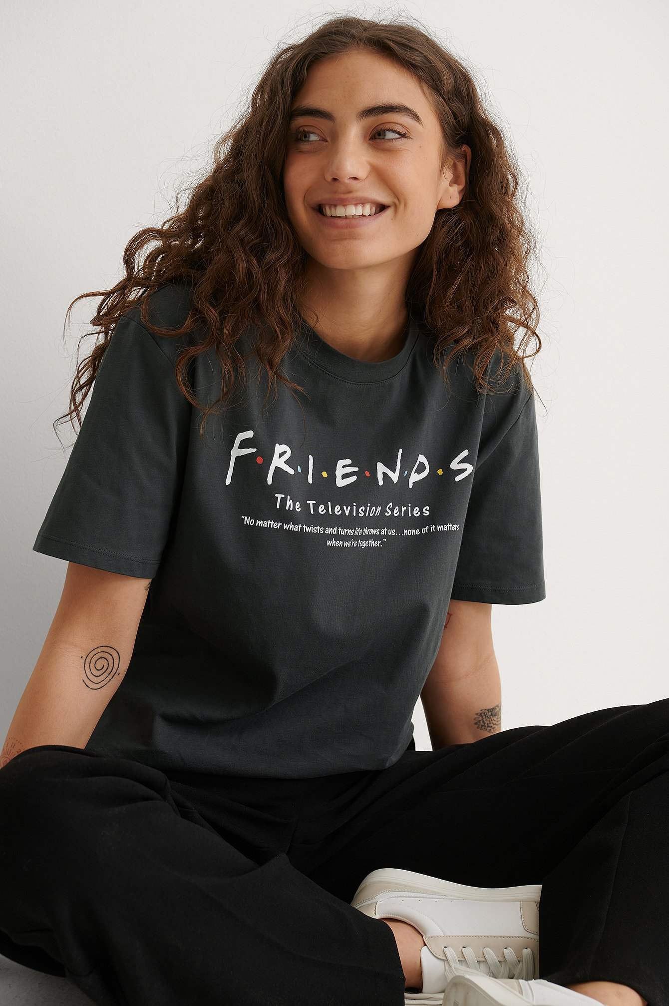 Grey Friends Definition Orgaaninen FRIENDS Unisex-printti-t-paita.