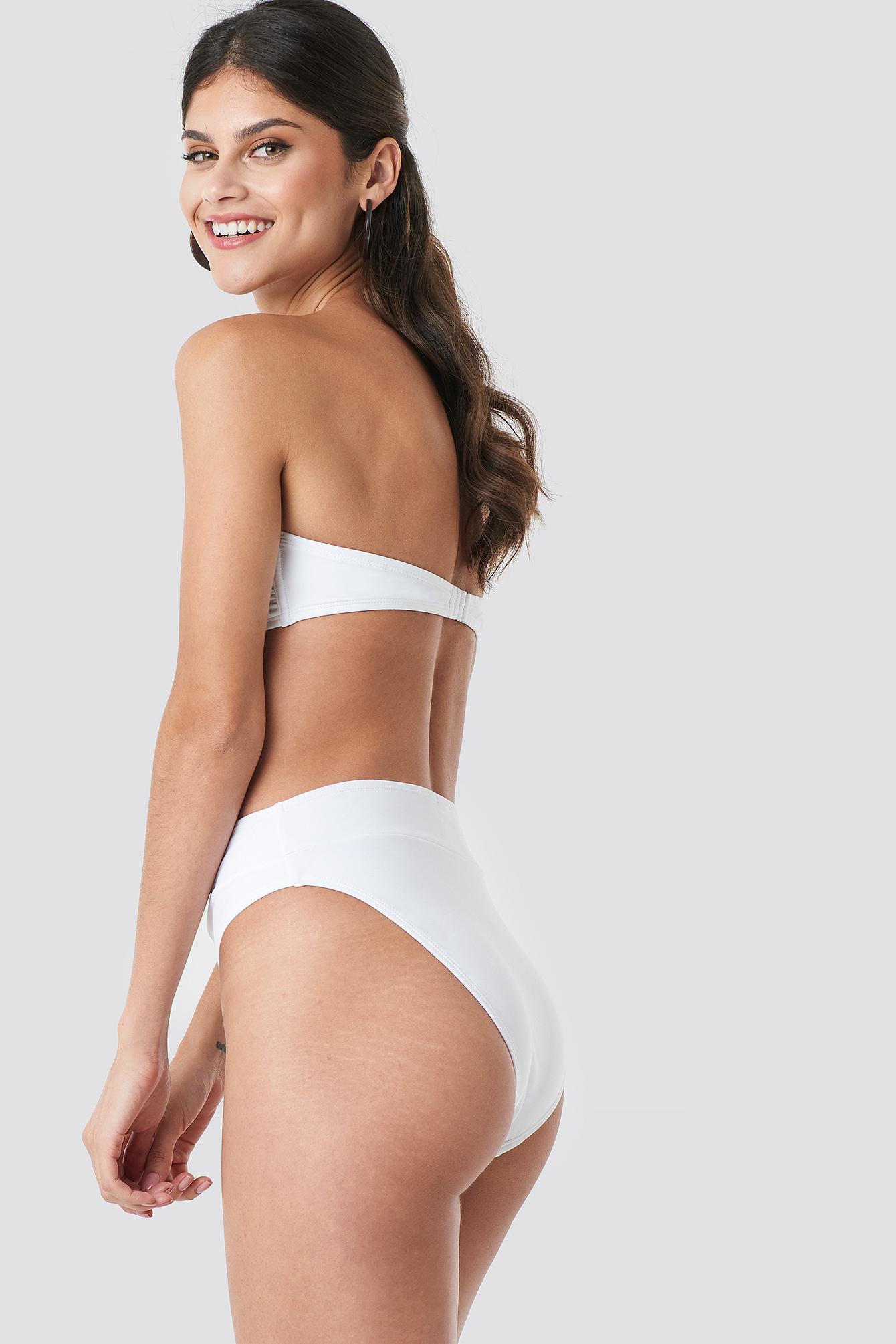Góra bikini z falbankami NA-KD.COM