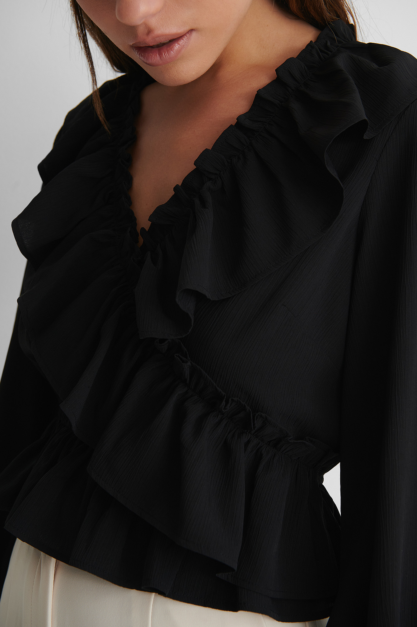 Black Blouse Met Ruches