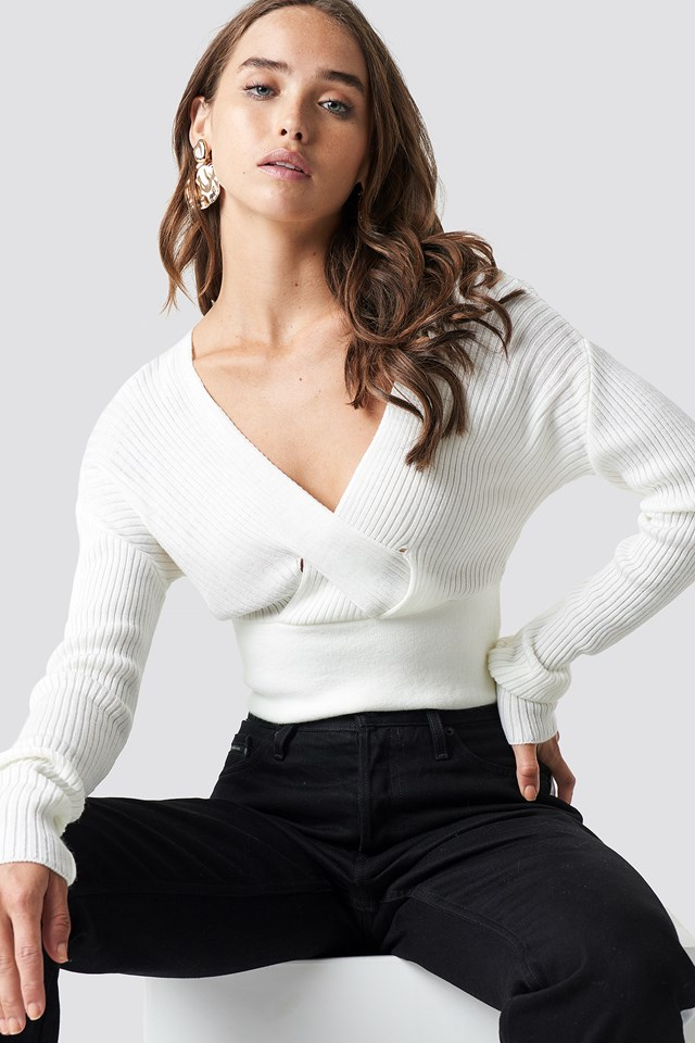 Front Cross Cropped Sweater NA-KD.COM
