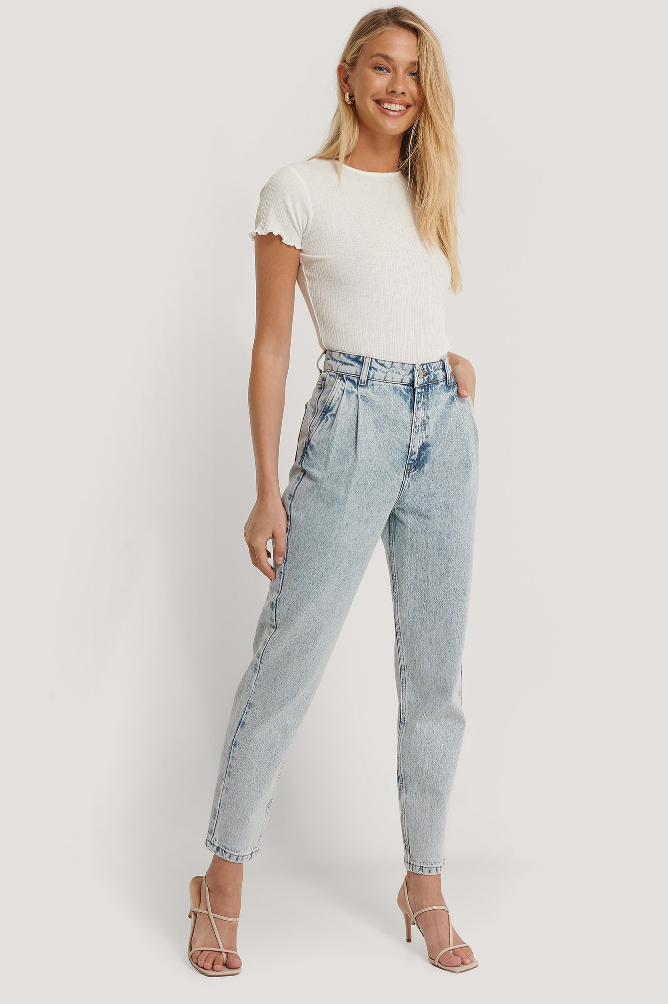 Light Blue Mom Jeans Mit Hoher Taille