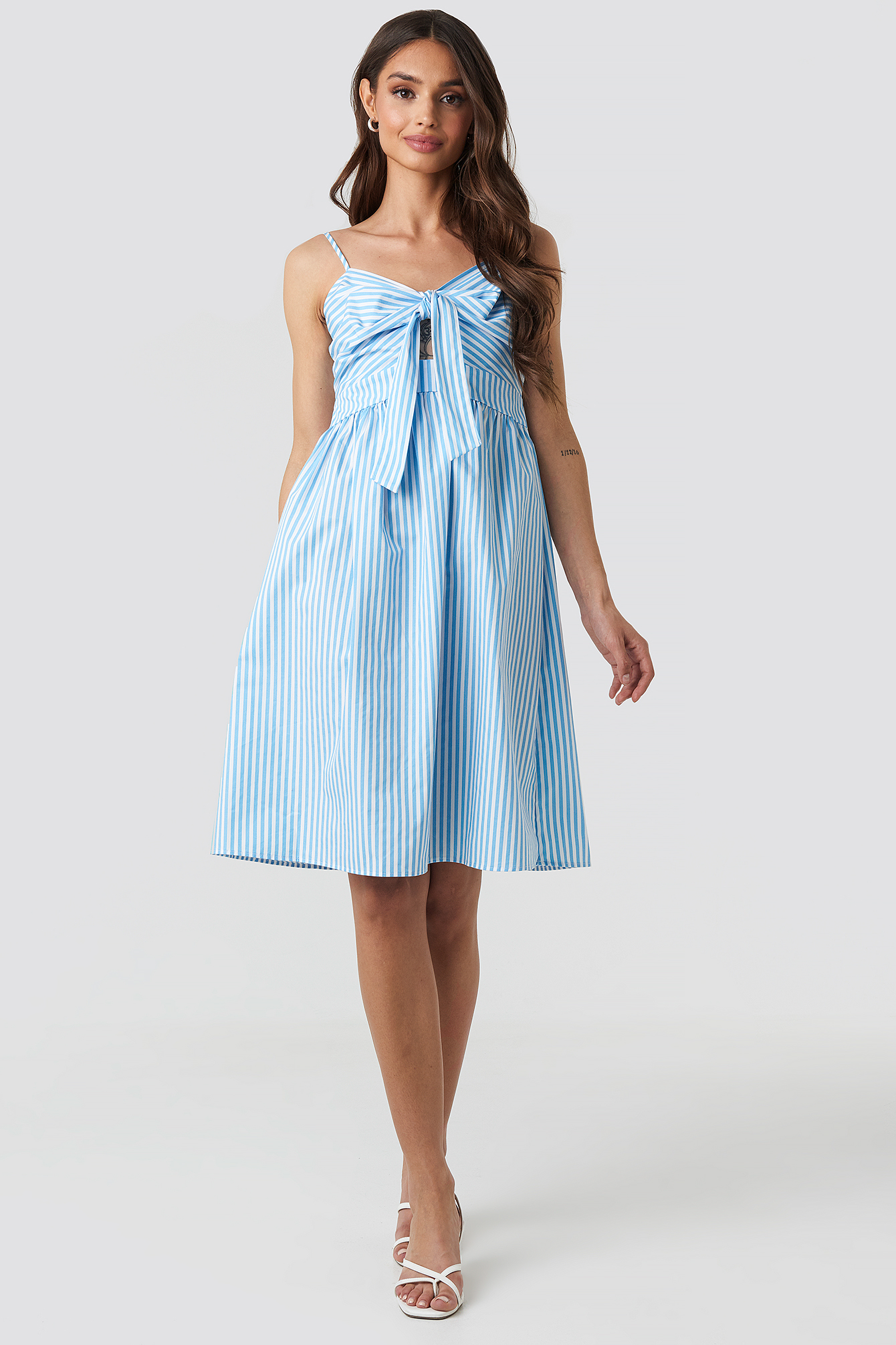 na-kd -  Front Knot Midi Dress - Blue