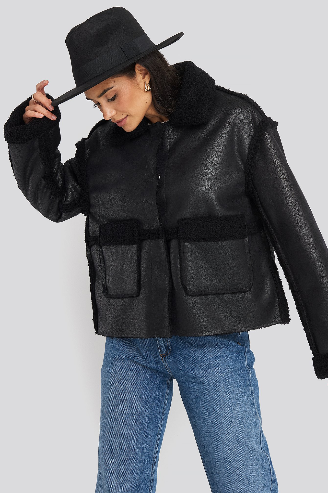 na-kd trend -  Front Pocket Teddy Jacket - Black