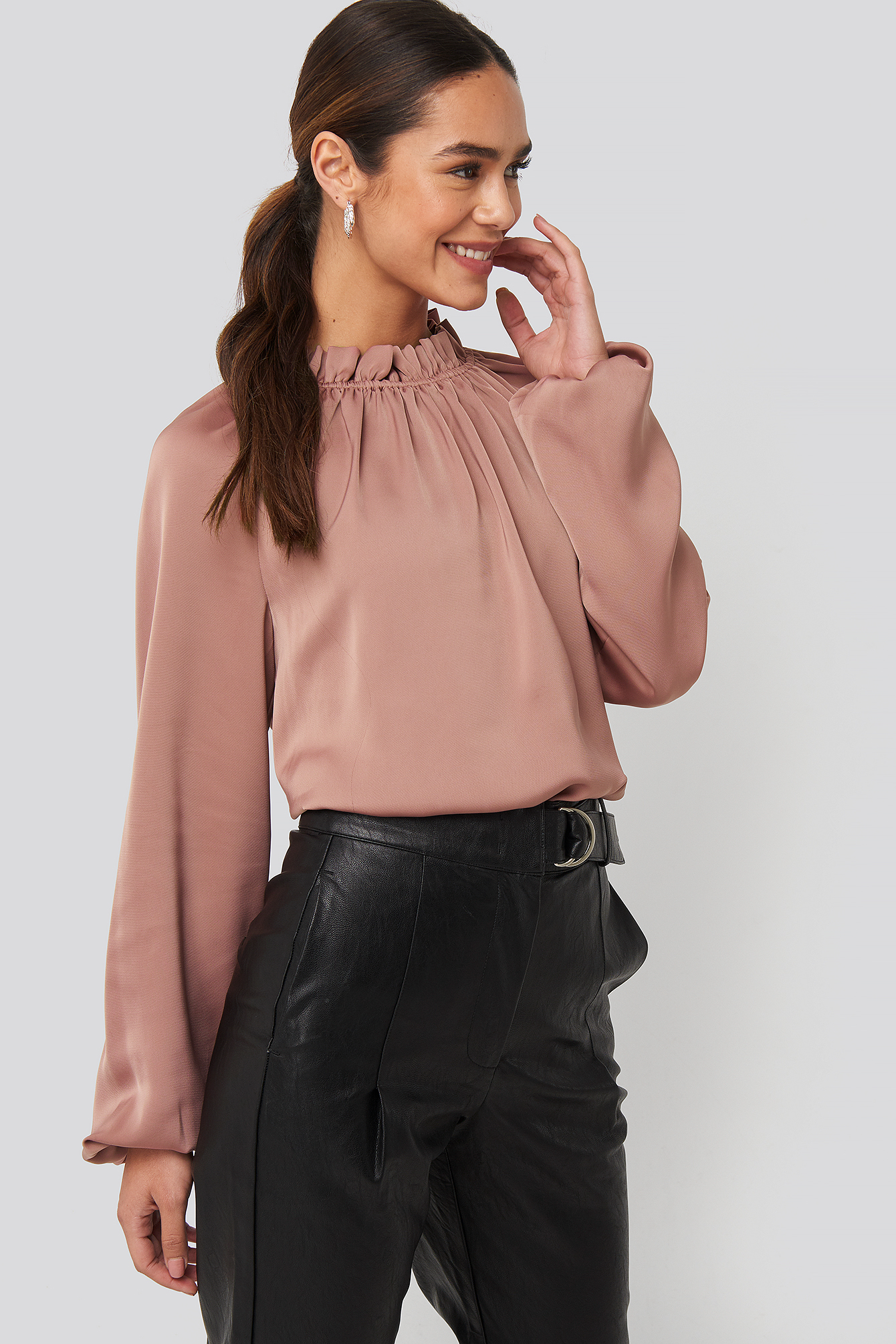 na-kd trend -  Gathered Neck Blouse - Pink