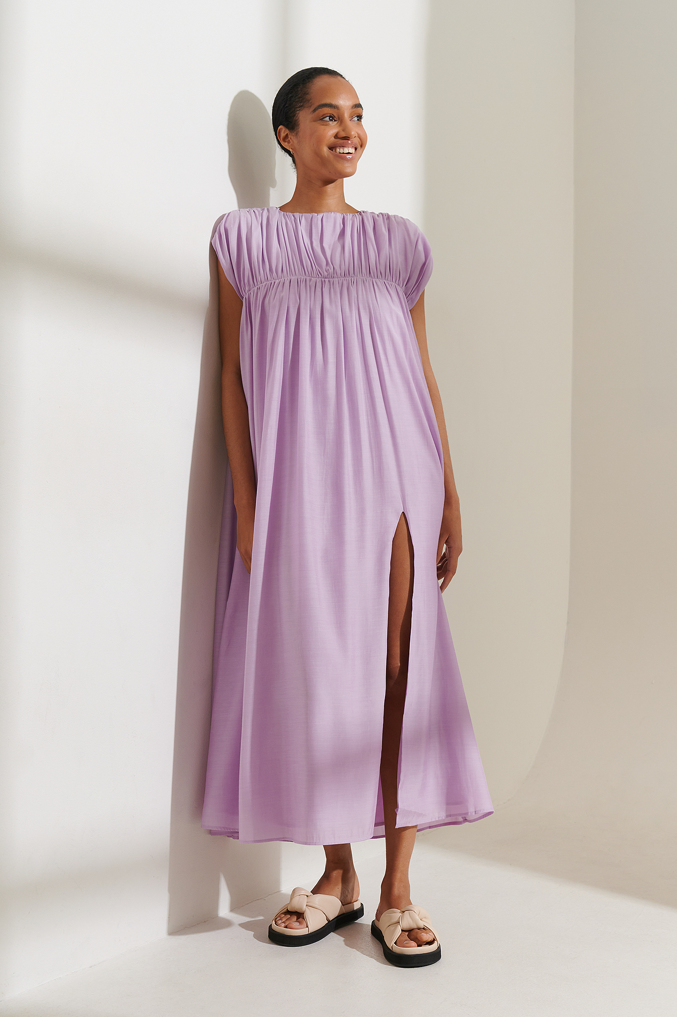 curated styles -  Recycelt Fließendes Minikleid Mit Gerafftem Ausschnitt - Purple