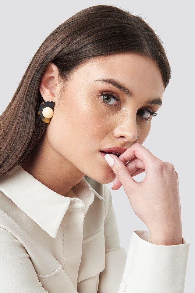 Globe Resin Stud Earrings NA-KD Accessories