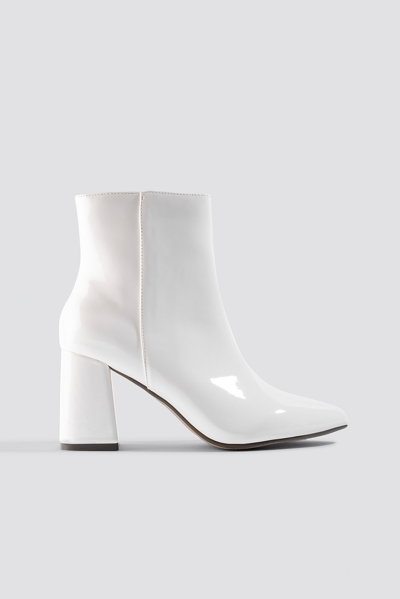na-kd shoes -  Glossy Patent Boots - White