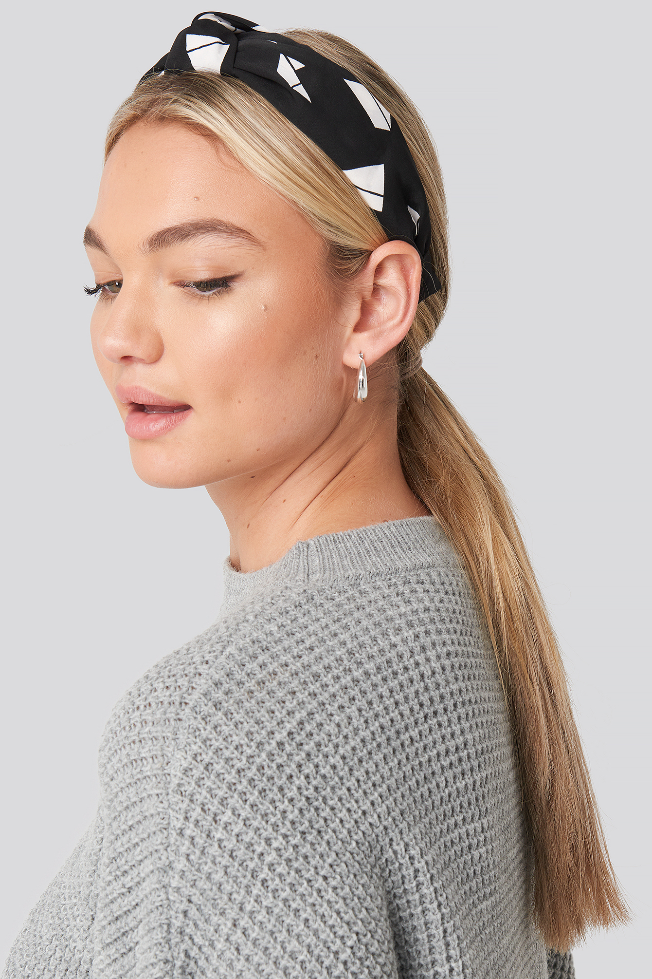 na-kd accessories -  Graphic Print Hair Circlet (029) - Black