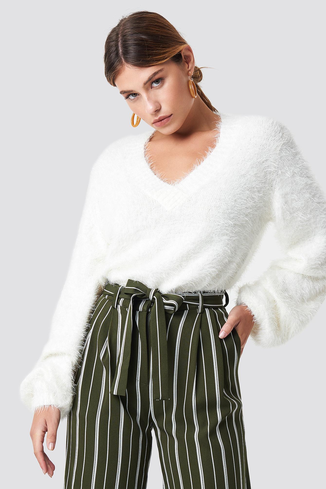 na-kd -  Hairy Deep V-neck Sweater - White