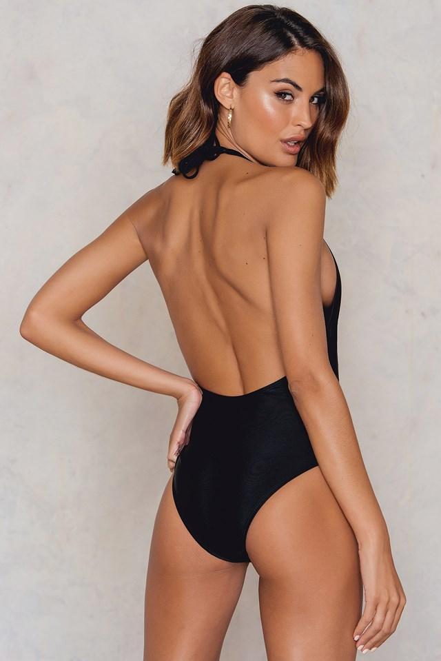 Jednoczęściowy kostium kąpielowy z haftem i głębokim dekoltem Black/Pink