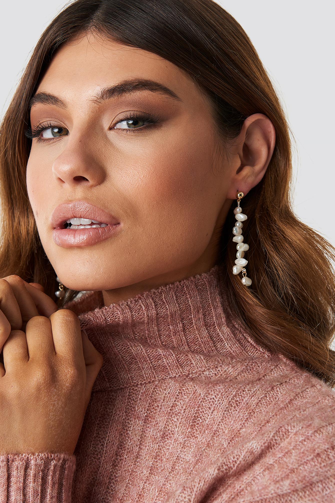 Hanging Fresh Water Pearl Earrings NA-KD.COM