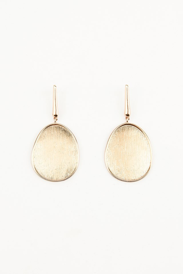 Hanging Oval Pleating Earrings Gold