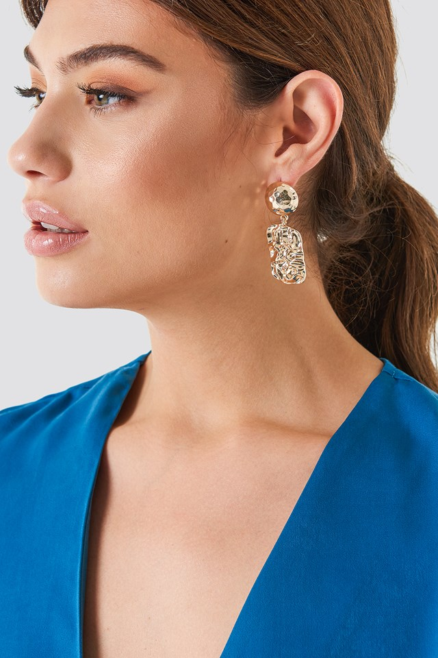 Hanging Structured Square Earrings Gold