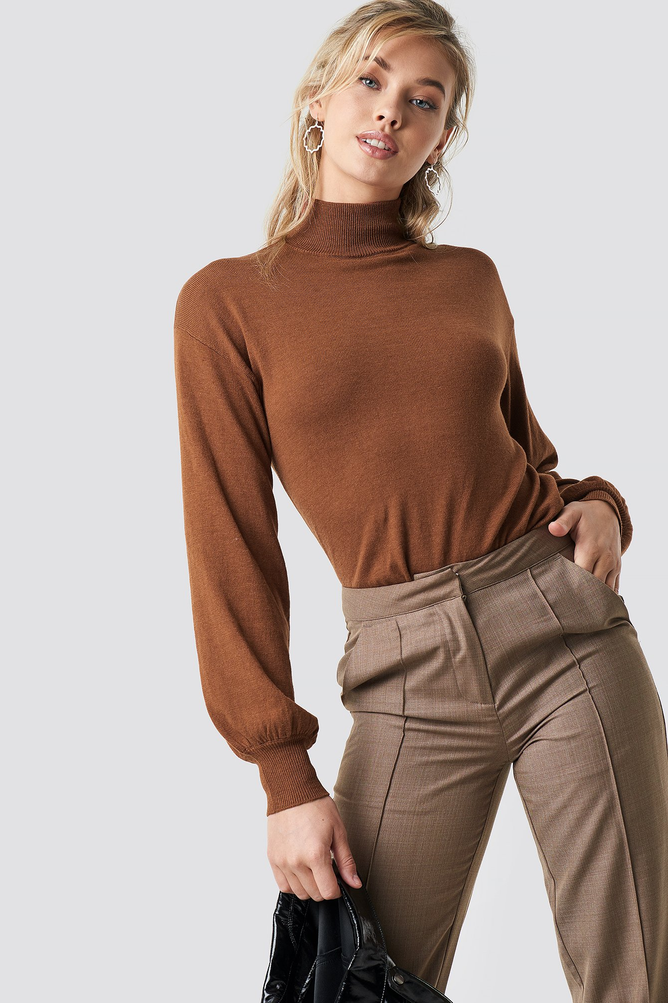 na-kd trend -  High Neck Balloon Sleeve Sweater - Brown