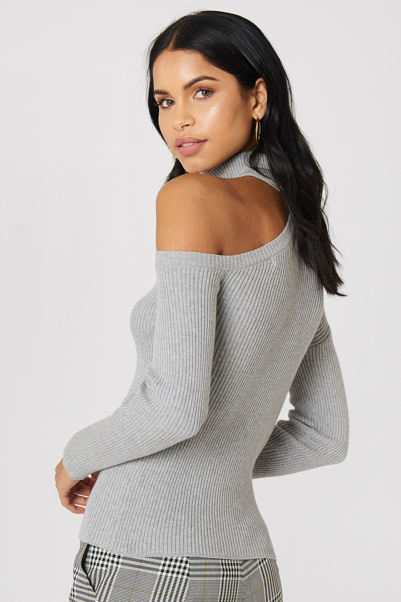 High Neck Cut Out Shoulder Sweater NA-KD.COM