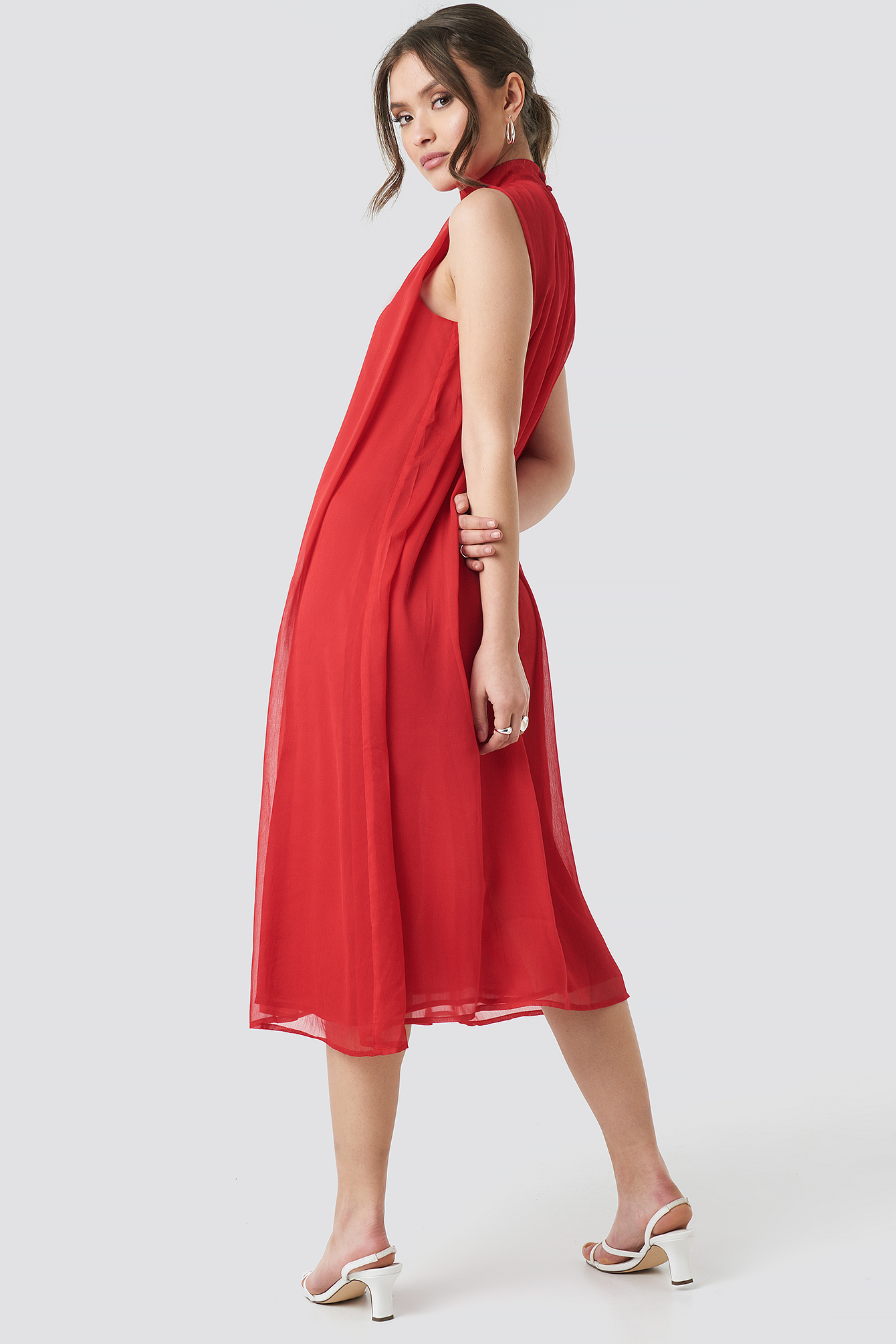 Plisowana sukienka NA-KD.COM