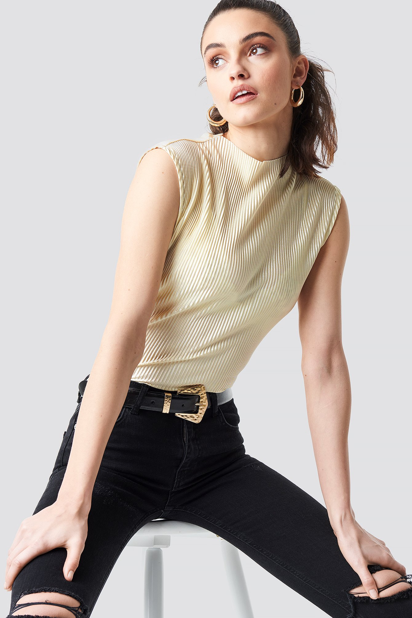 High Neck Pleated Top NA-KD.COM
