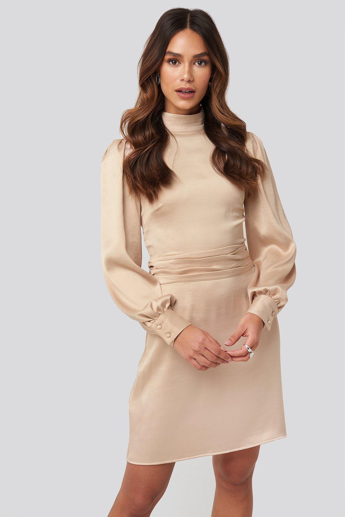 na-kd trend -  High Neck Satin Dress - Beige