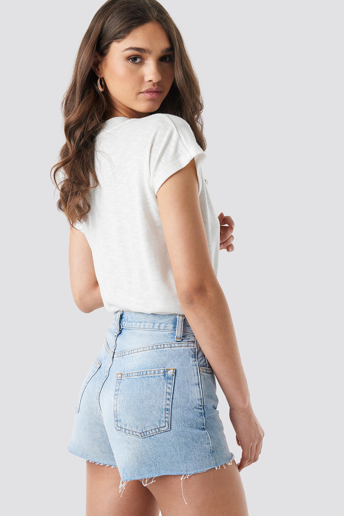Jeansowe spodenki z wysokim stanem NA-KD.COM