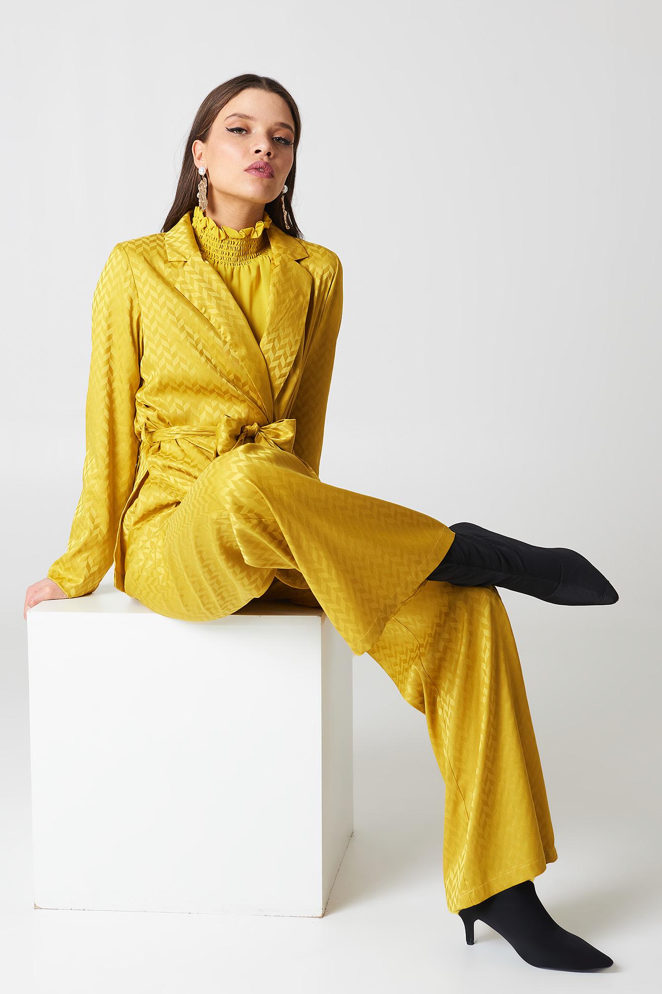 na-kd -  High Waist Flared Jacquard Pants - Yellow