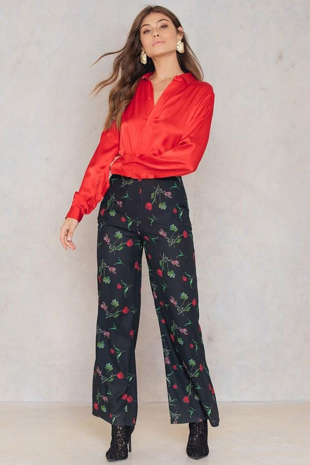 Rozszerzane spodnie z wysokim stanem Black/Flower Print
